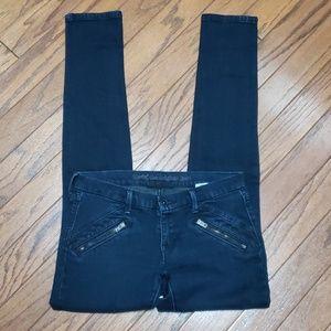 Levi's Skinny 421 dark wash jeans EUC